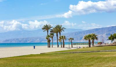 playa urbanizacion roquetas de mar
