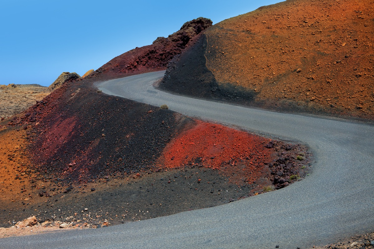 carretera de subida en el timanfaya