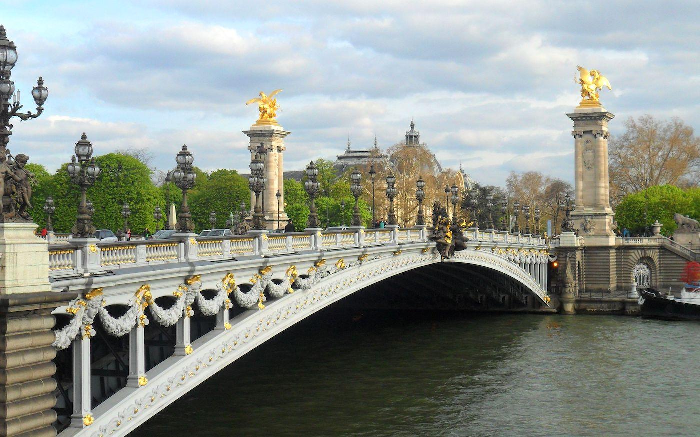 Puente Alejandro III