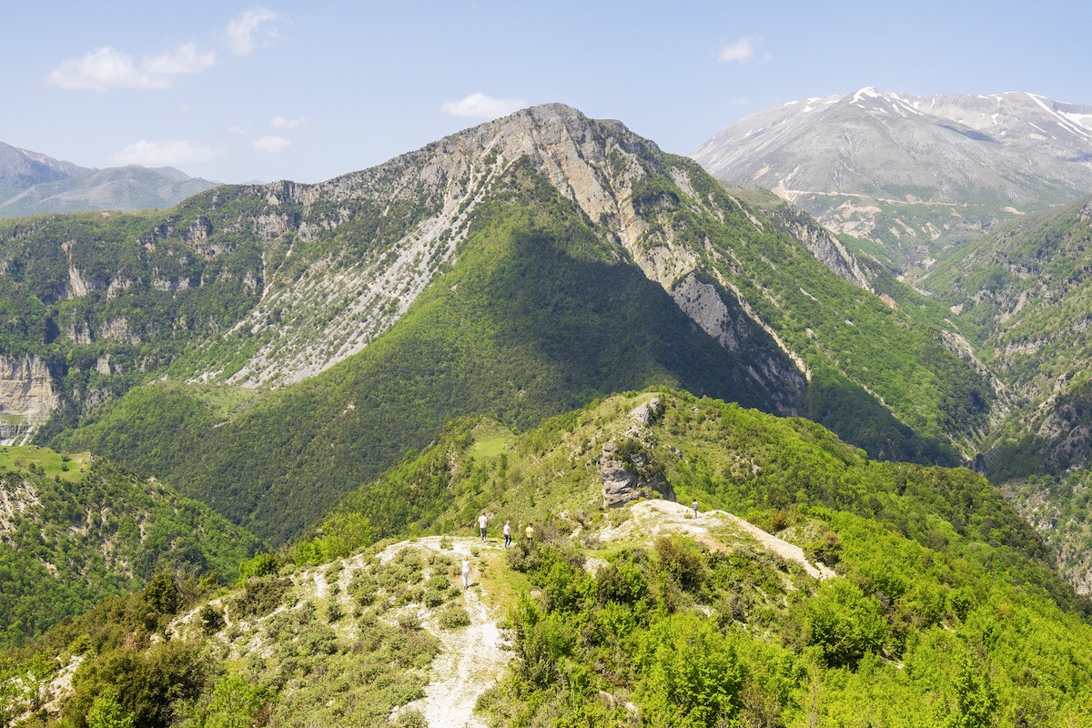 Montes de Albania