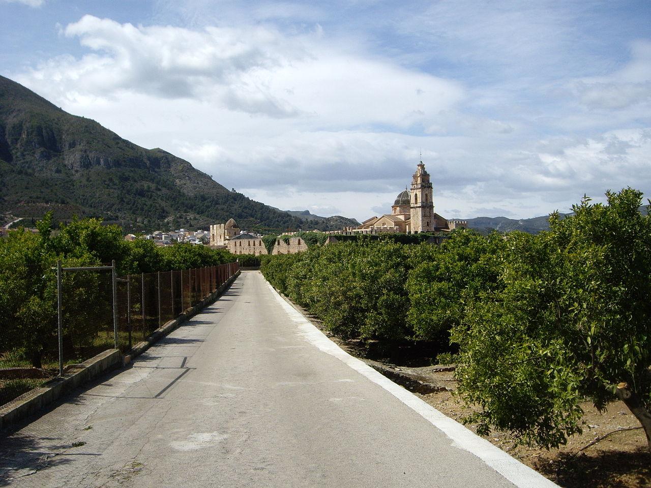 acceso Real Monasterio de Santa María de la Valldigna