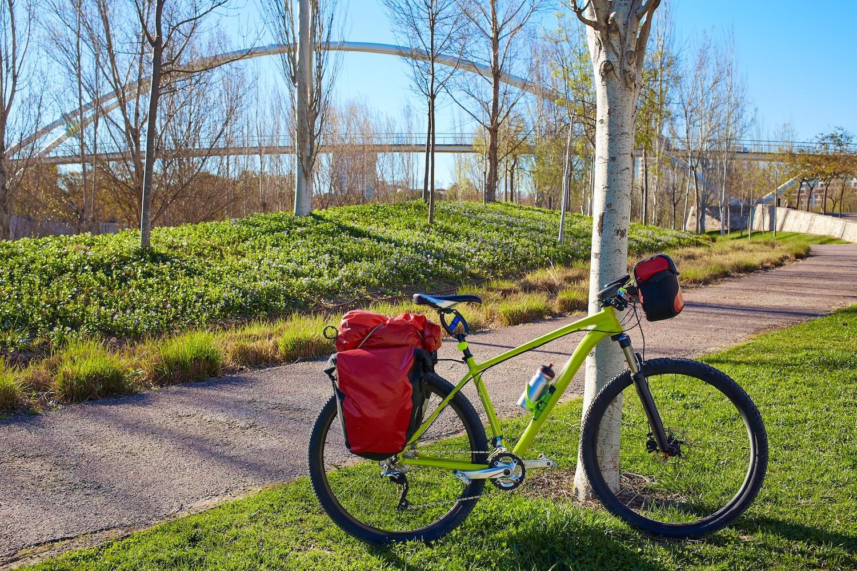 ciclismo en parque de cabecera