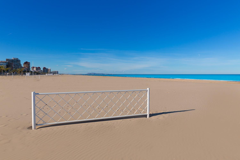 red de voley en playa de gandia