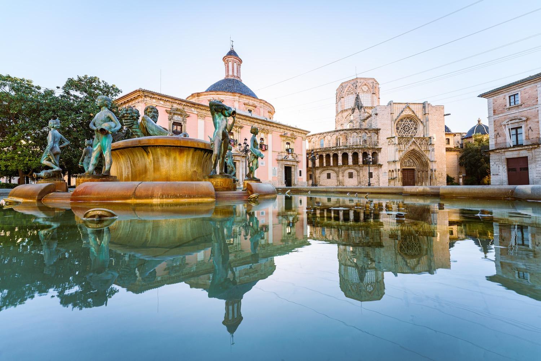 Plaza de la Virgen en Valencia