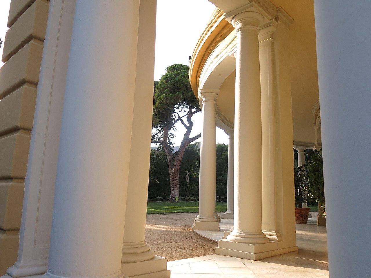 columnas palacio real de pedralbes